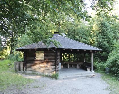 Waldhütte, Heidenburg, Bassersdorf